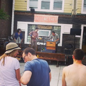 La De Blog - Tiny Cover Band @ Hideout (Bellwether)